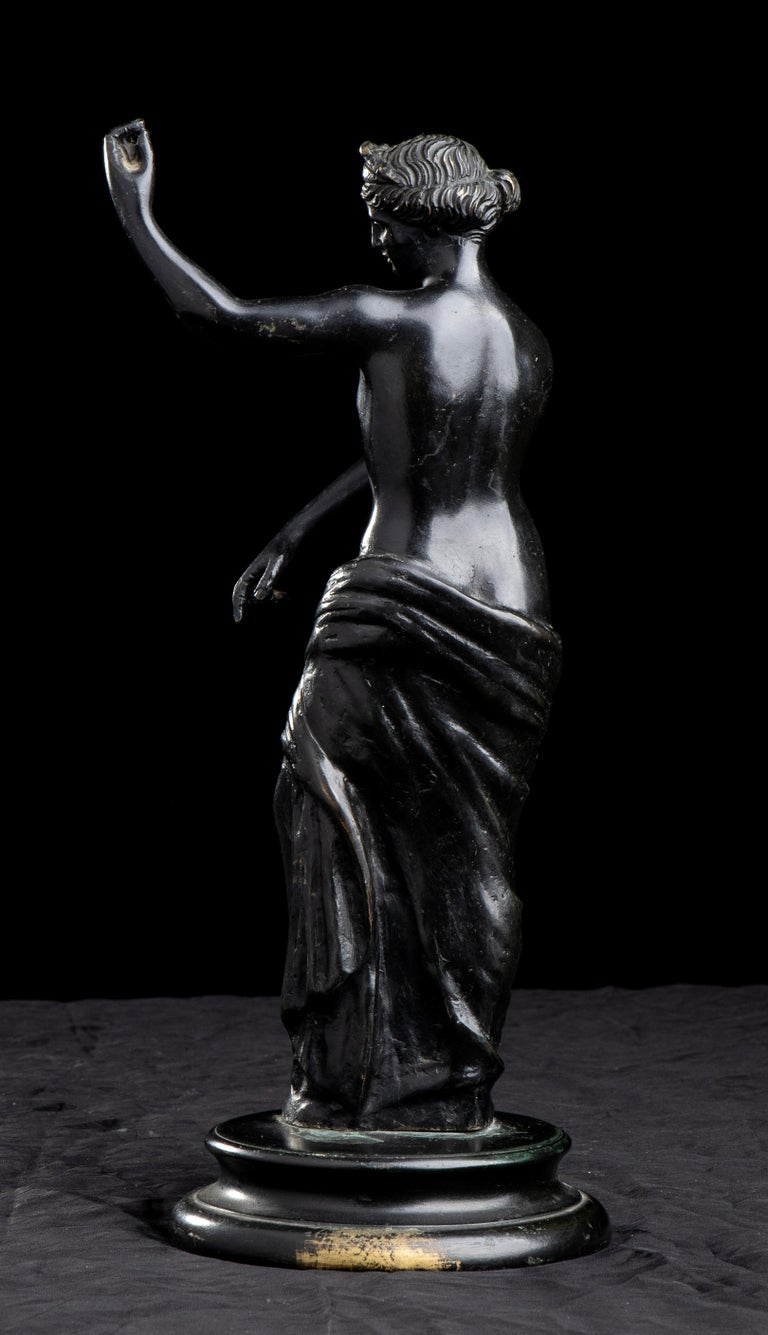 Figurative Sculpture Of Aphrodite Bronze Grand Tour After The Antique Grand Tour For Sale 4