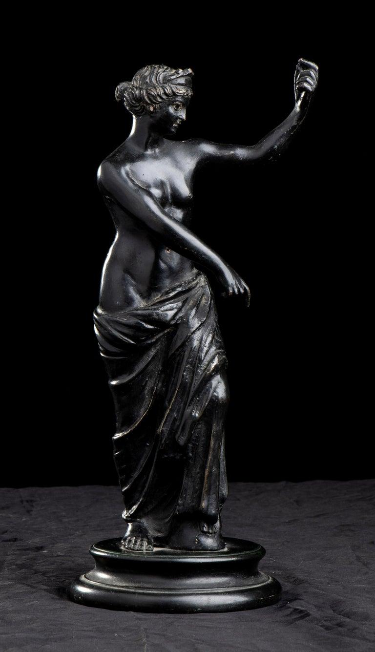 Figurative Sculpture Of Aphrodite Bronze Grand Tour After The Antique Grand Tour For Sale 8