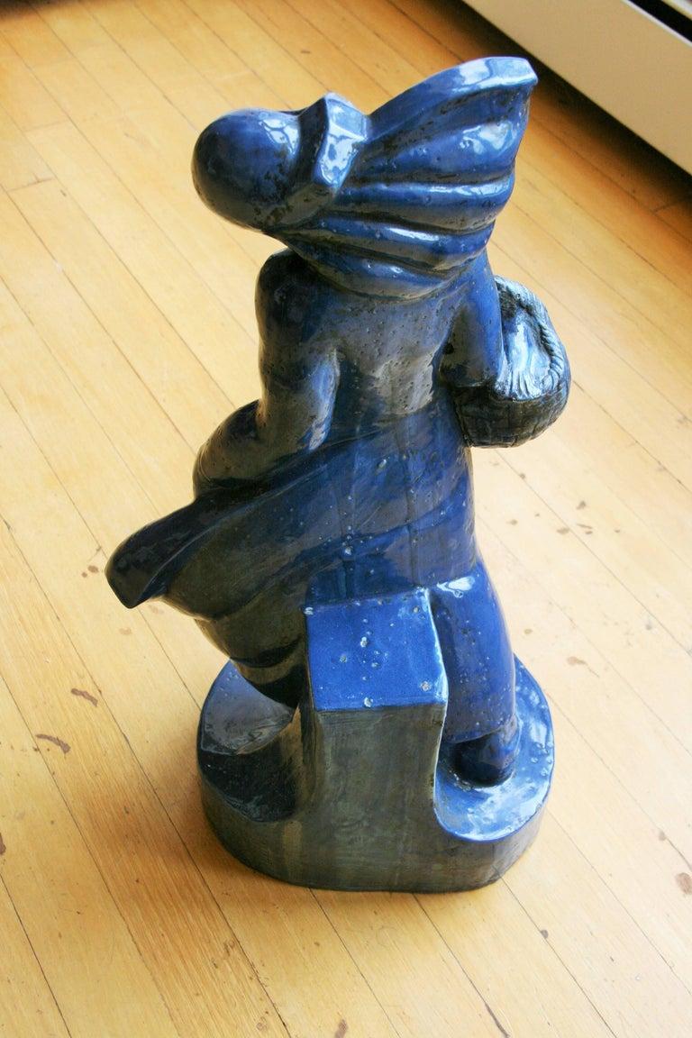 Italian Art Deco Sculpture - Gray Figurative Sculpture by Unknown