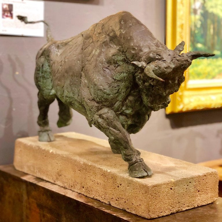 Large Early 20th Century Bronze Bull Sculpture on Custom Cement Base  For Sale 1