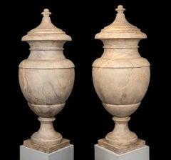 Sculpture Italian Versailles Marble 20th Century Pair of Neoclassical Vases