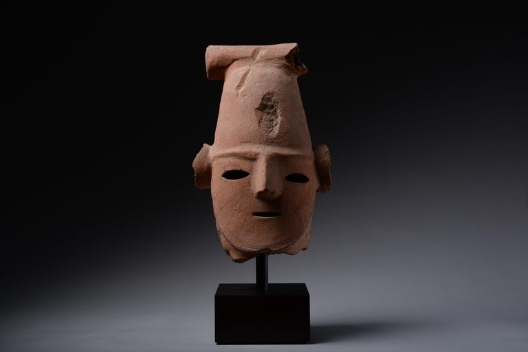 Superb Ancient Japanese Haniwa Head - Sculpture by Unknown