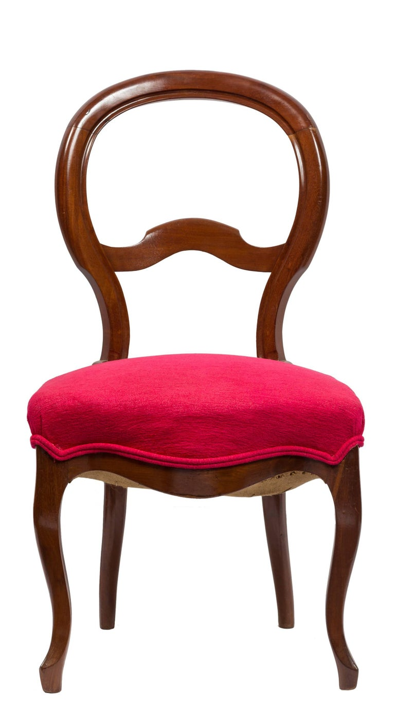 Unmatched Pair of Walnut Spanish Isabelinas Chairs, New Red Upholstery In Good Condition For Sale In Madrid, ES