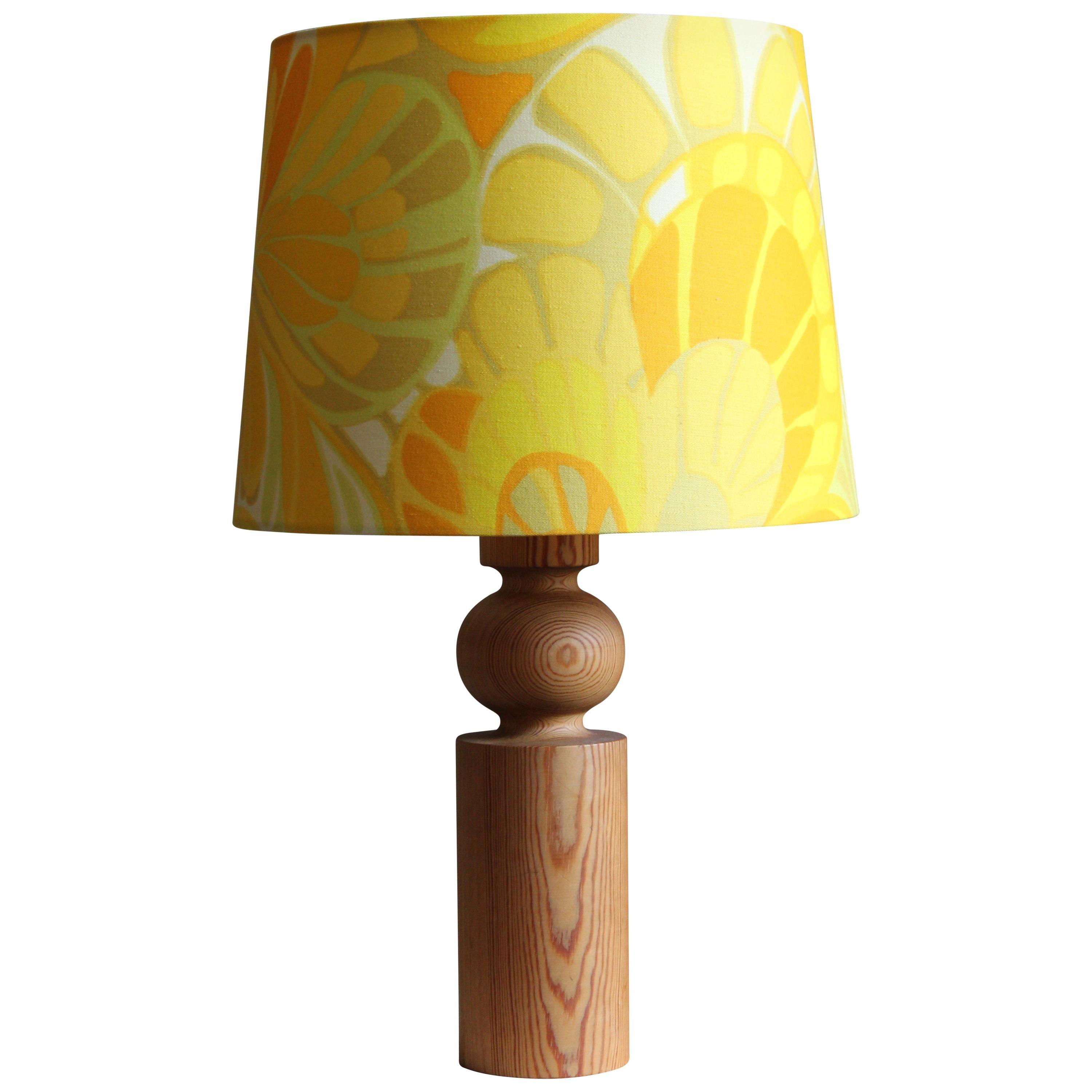 Uno Kristiansson, Table Lamp, Stained Solid Pine, Fabric, Luxus, Sweden, 1960s