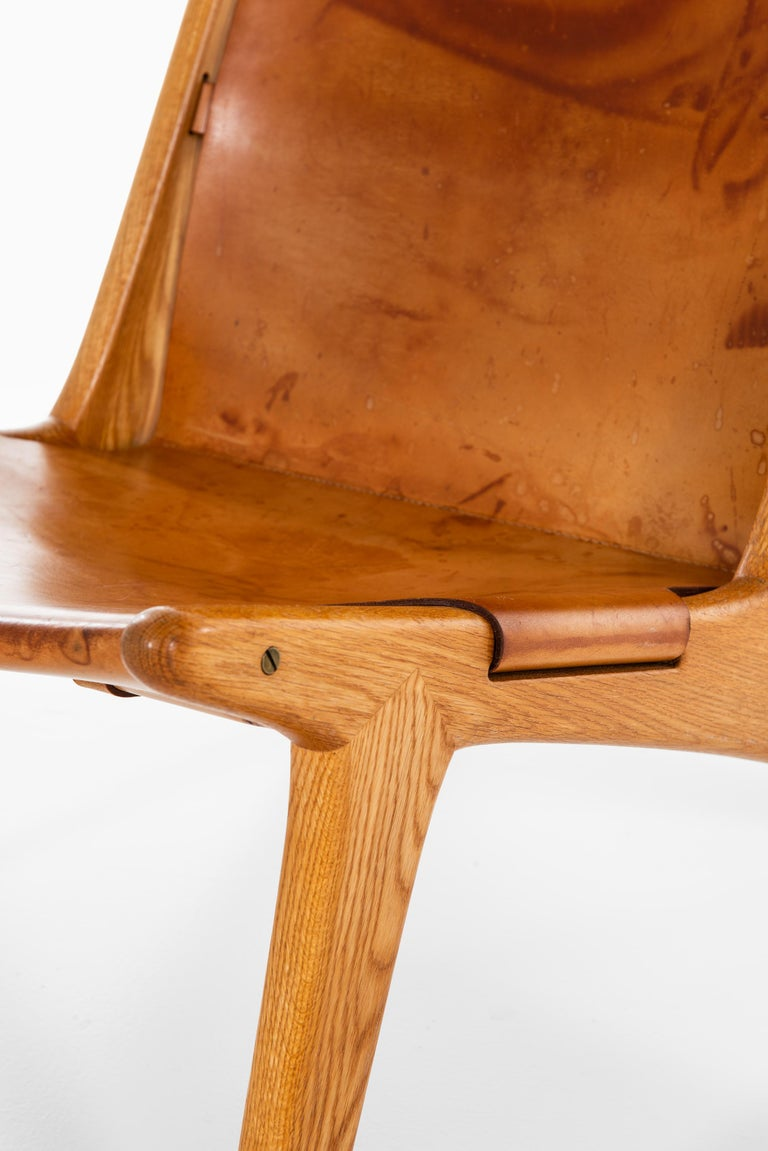 Uno & Östen Kristiansson Hunting Easy Chair Produced by Luxus in Sweden For Sale 3