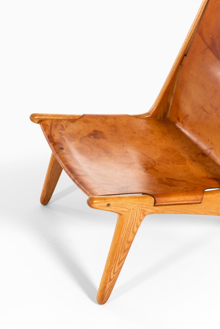 Scandinavian Modern Uno & Östen Kristiansson Hunting Easy Chair Produced by Luxus in Sweden For Sale