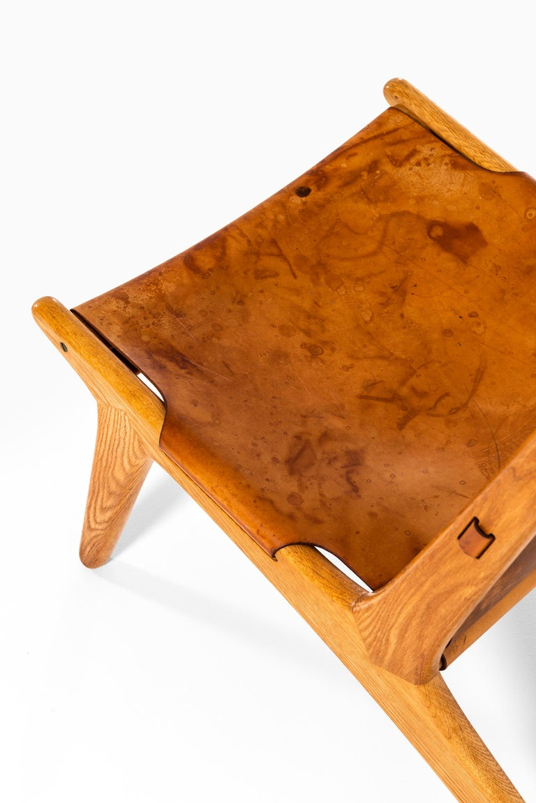 Swedish Uno & Östen Kristiansson Hunting Easy Chair Produced by Luxus in Sweden For Sale