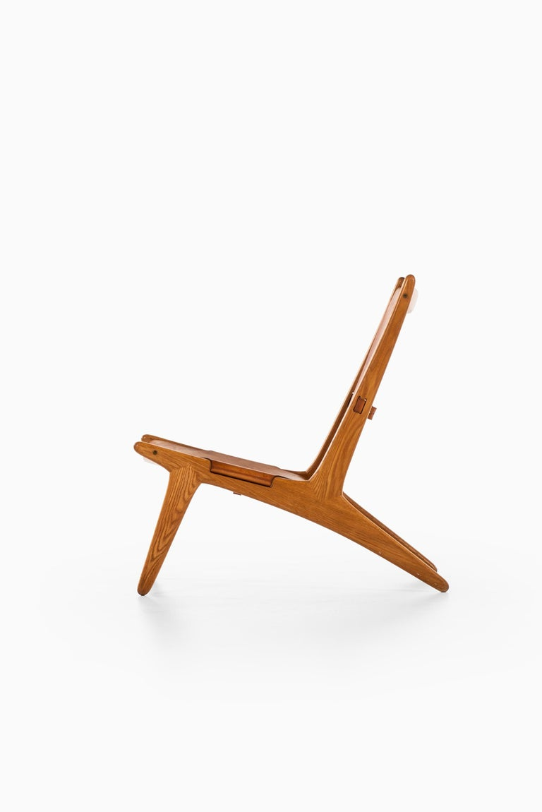 Uno & Östen Kristiansson Hunting Easy Chair Produced by Luxus in Sweden In Good Condition For Sale In Malmo, SE