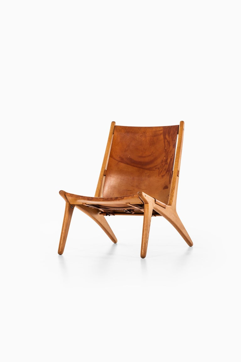 Uno & Östen Kristiansson Hunting Easy Chair Produced by Luxus in Sweden For Sale 2