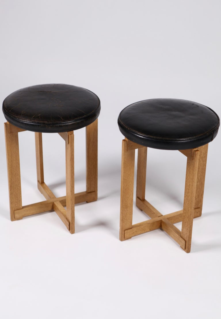 Scandinavian Modern Uno & Östen Kristiansson, Rare Stools in Oak and Leather for Luxus, Sweden 1960s For Sale