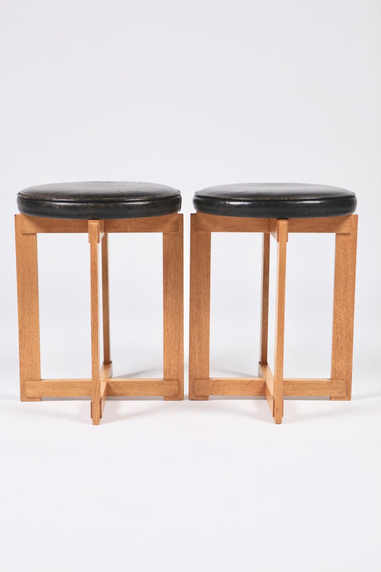 Uno & Östen Kristiansson, Rare Stools in Oak and Leather for Luxus, Sweden 1960s For Sale 2