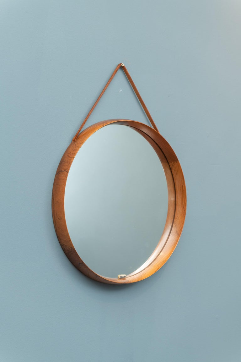 Uno & Östen Kristiansson Wall Mirror in Teak and Leather In Good Condition For Sale In San Francisco, CA