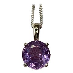 Untreated Purple Sapphire Round Cut 18 Karat White Gold Solitaire Pendant