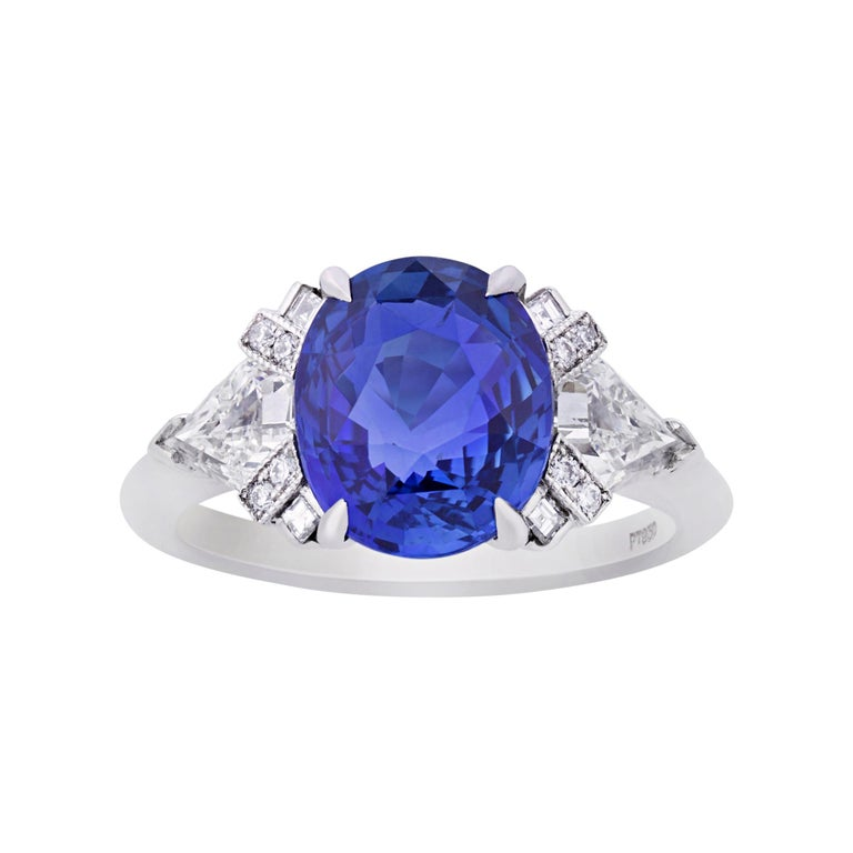 Untreated Sapphire Ring by Raymond Yard, 4.07 Carats For Sale