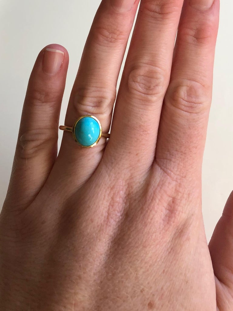 Untreated Turquoise and 18 Karat Gold Cocktail Ring In New Condition For Sale In Berkeley, CA