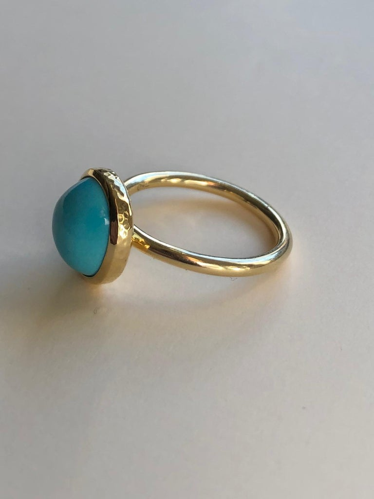 Untreated Turquoise and 18 Karat Gold Cocktail Ring For Sale 1