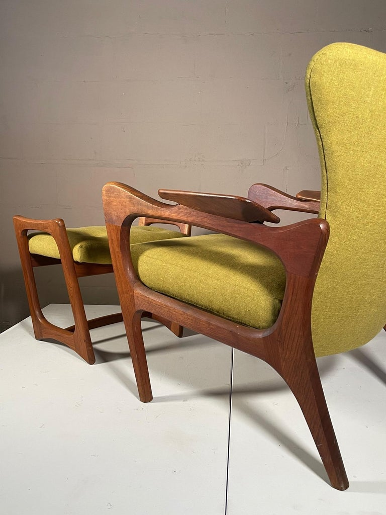 Unusual Adrian Pearsall Armchairs with Ottomans For Sale 10