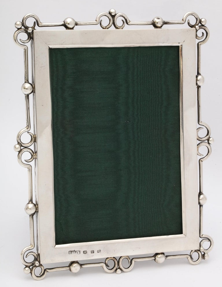 Unusual Arts & Crafts Sterling Silver Picture Frame, by E. Mander and Sons In Good Condition For Sale In New York, NY