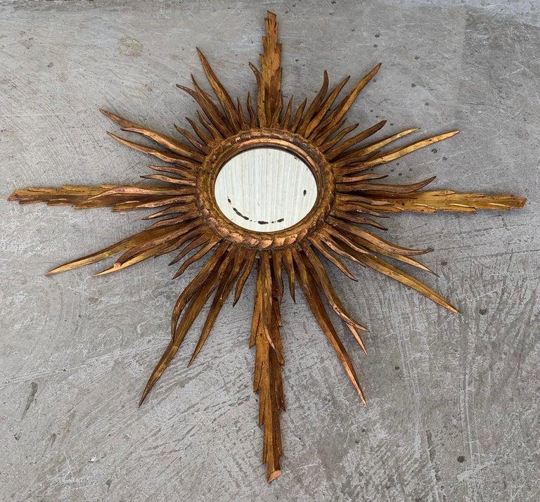 Mid-Century Modern Unusual Early 20th Century Spanish Giltwood Small Starburst Sunburst Mirror For Sale