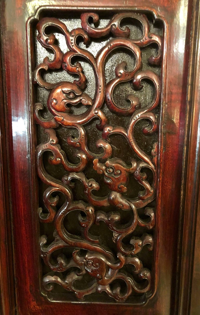 Unusual Eight Panel Chinese Coromandel Screen circa 1700-1800 with Carved Frame For Sale 12