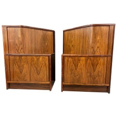 Unusual in Shape Pair of Mid-Century Modern Rosewood End Tables Nightstands