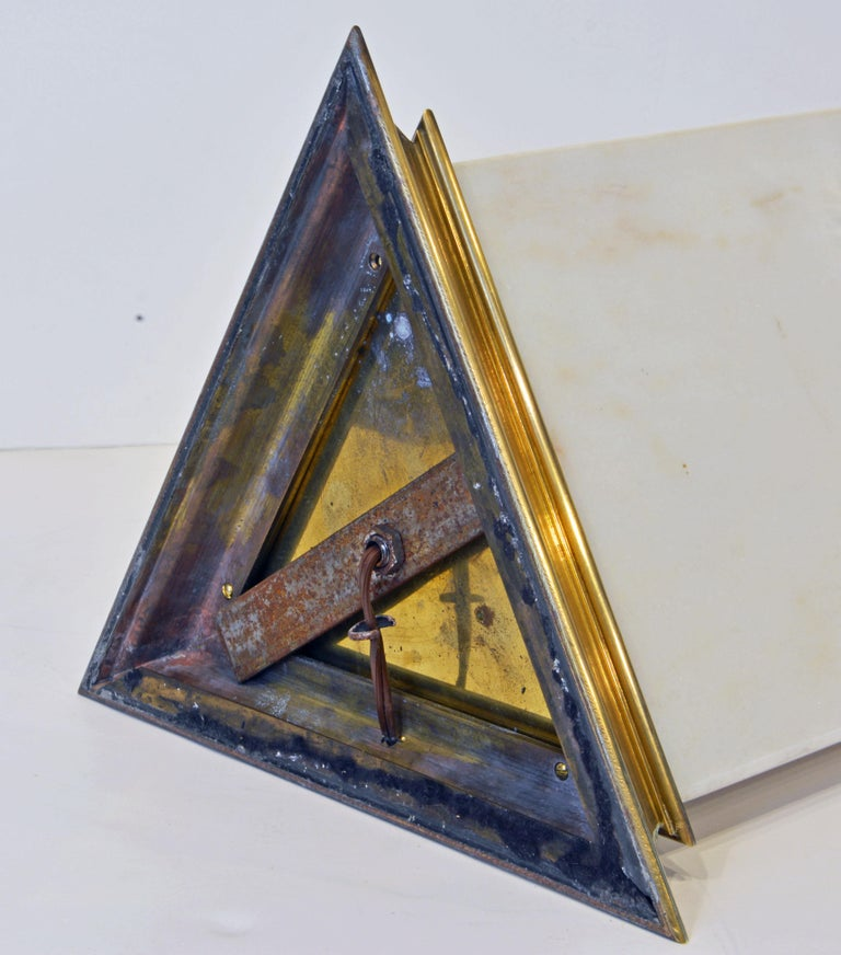 Unusual Large Midcentury Triangular Brass Mounted Onyx Table Lamp For Sale 2