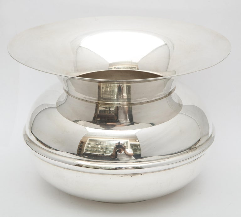 Unusual Mid-Century Sterling Silver Spittoon by Tiffany & Co.  For Sale 3