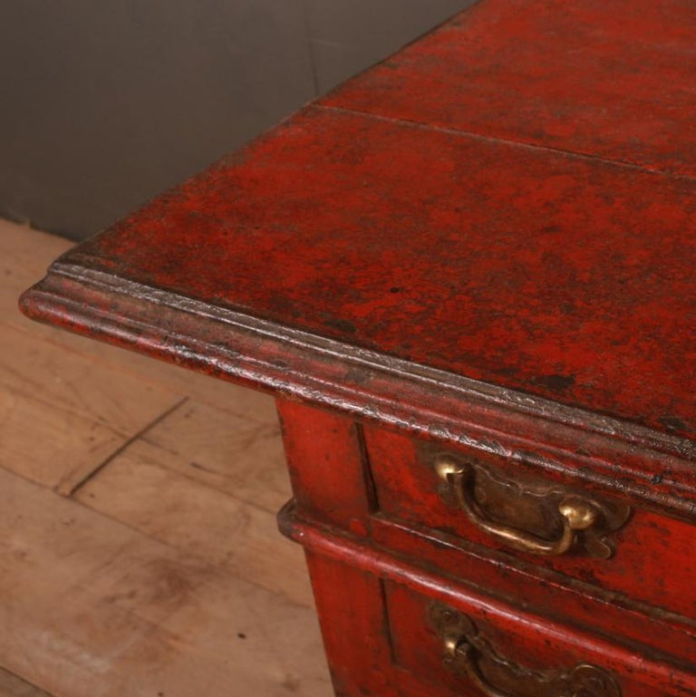 Unusual Painted Lowboy In Good Condition For Sale In Leamington Spa, Warwickshire