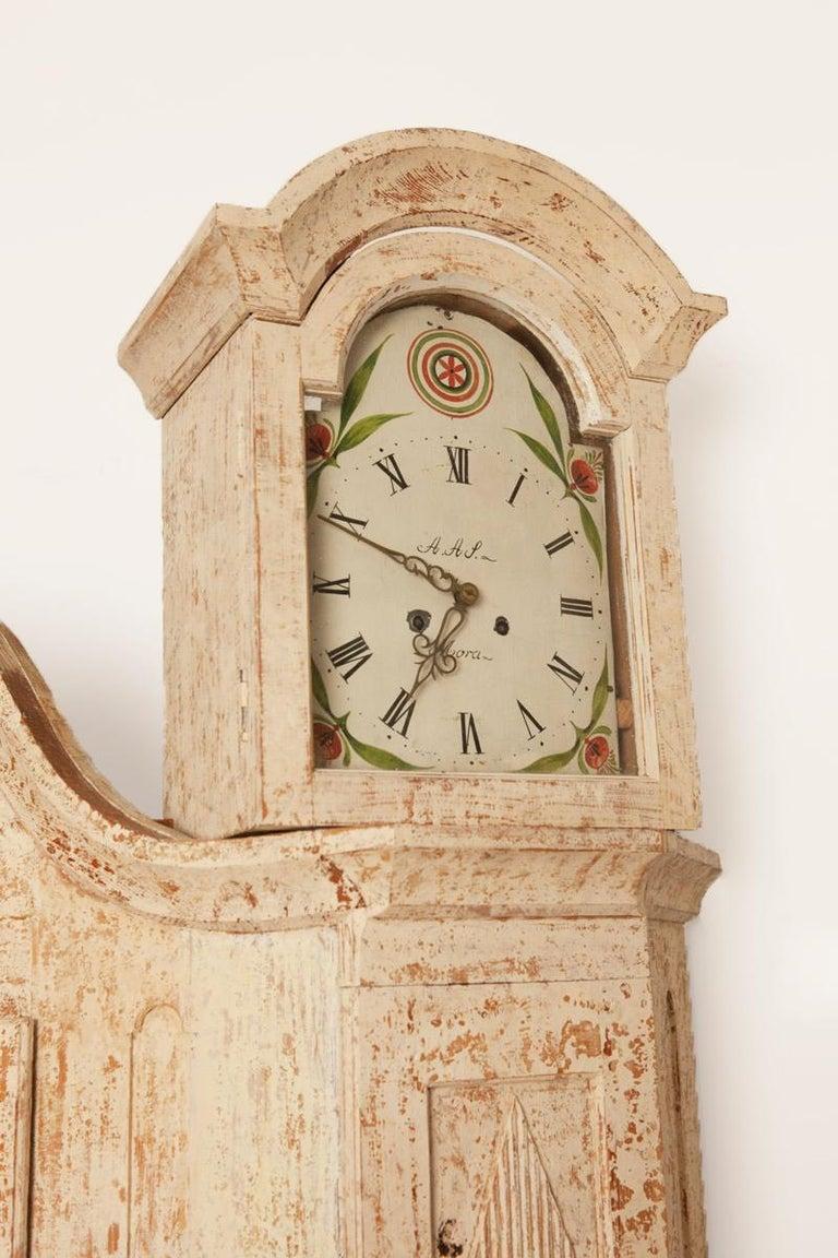 Swedish Unusual Pair of Gustavian Corner Clock Cabinets, Origin Mora, Sweden, Circa 1780 For Sale
