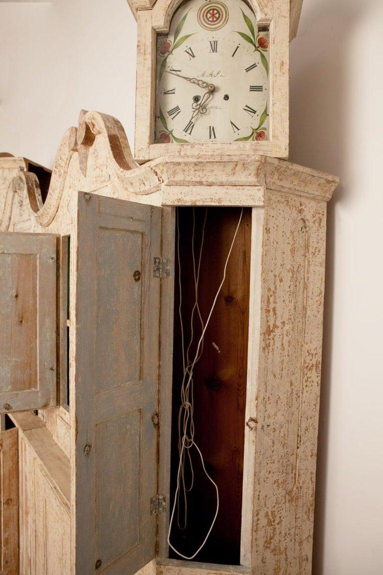 Unusual Pair of Gustavian Corner Clock Cabinets, Origin Mora, Sweden, Circa 1780 For Sale 1