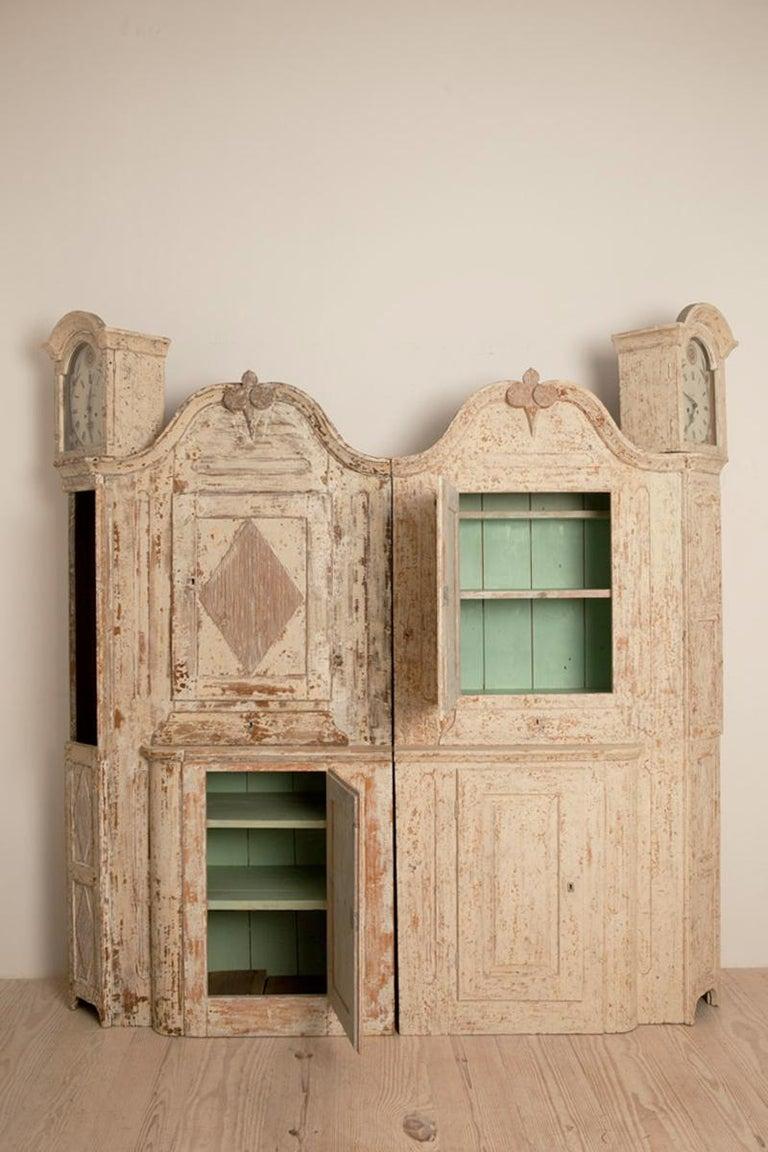 Hand-Carved Unusual Pair of Gustavian Corner Clock Cabinets, Origin Mora, Sweden, Circa 1780 For Sale