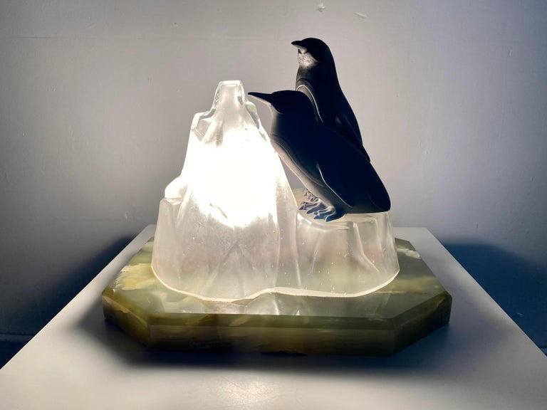 Unusual, Stylized Art Deco Penguin's and Glass Ice Glacier Table Lamp 4