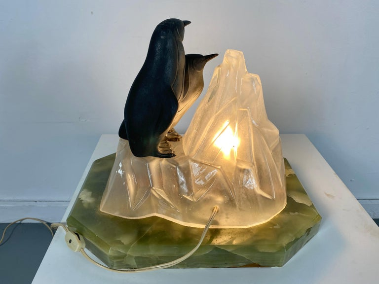 American Unusual, Stylized Art Deco Penguin's and Glass Ice Glacier Table Lamp
