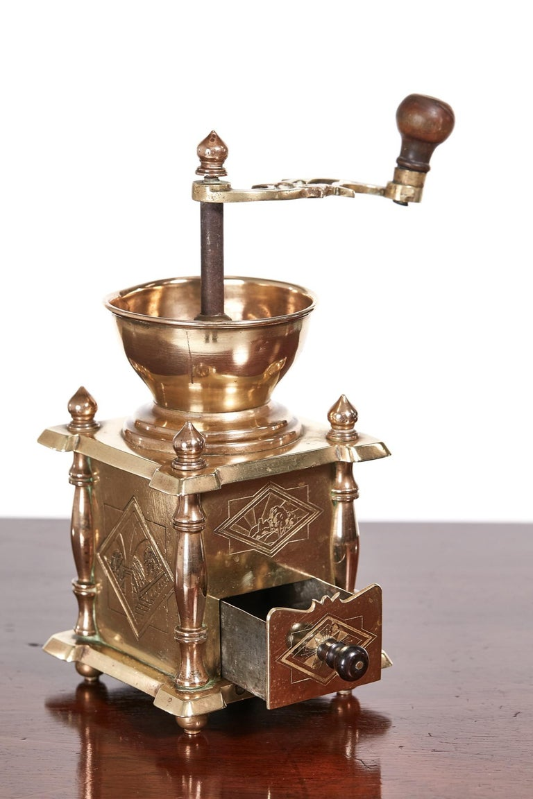 Unusual Victorian brass coffee grinder, in working order Lovely original condition. Measures: 4