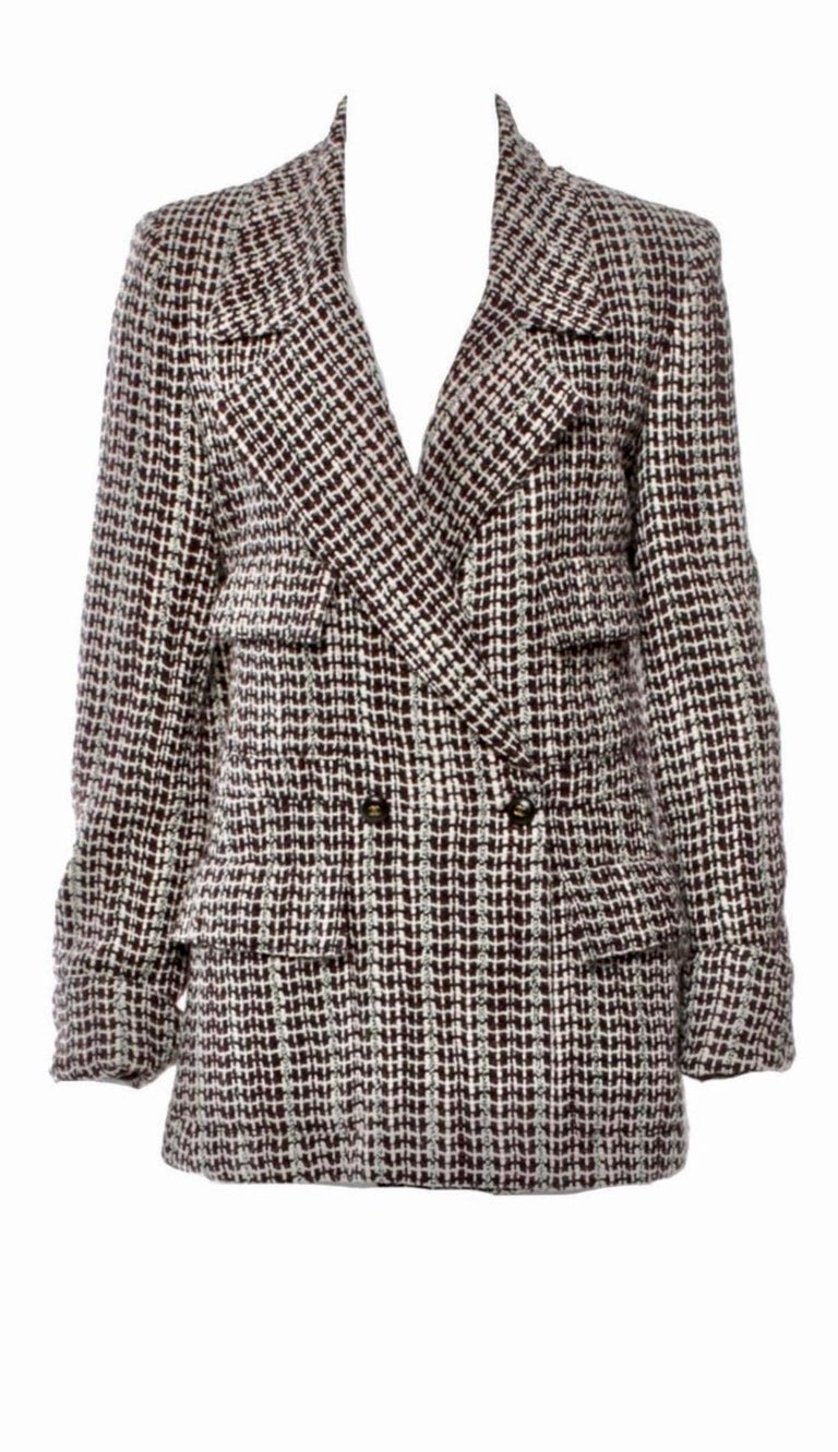 Beautiful CHANEL tweed coat jacket A true CHANEL signature item that will last you for many years Stunning colors  A truly versatile piece, can be worn as blazer, jacket or short coat Four front pockets Famous CHANEL Lesage fantasy tweed