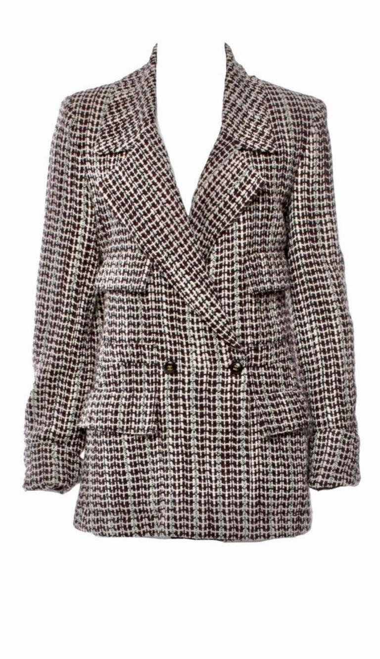 UNWORN Chanel Tweed & Sequins CC Logo Button Short Coat Jacket Blazer For Sale 4