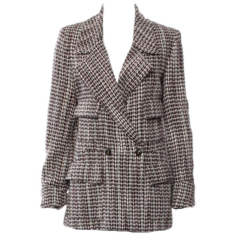 UNWORN Chanel Tweed & Sequins CC Logo Button Short Coat Jacket Blazer For Sale