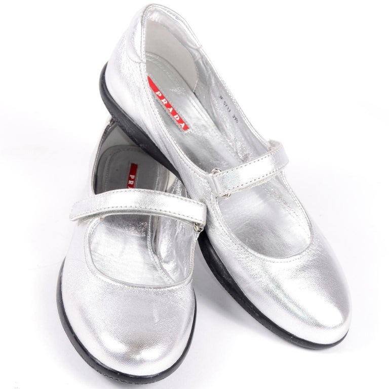Unworn Prada Sport Silver Metallic Flats Mary Jane Leather Shoes Italian 39.5 For Sale 3