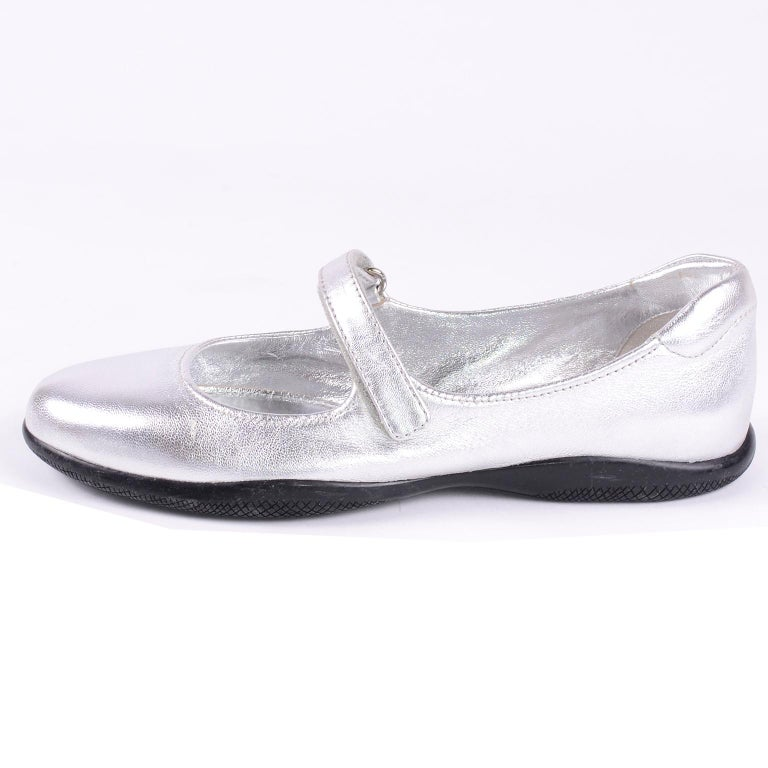 Unworn Prada Sport Silver Metallic Flats Mary Jane Leather Shoes Italian 39.5 For Sale 4