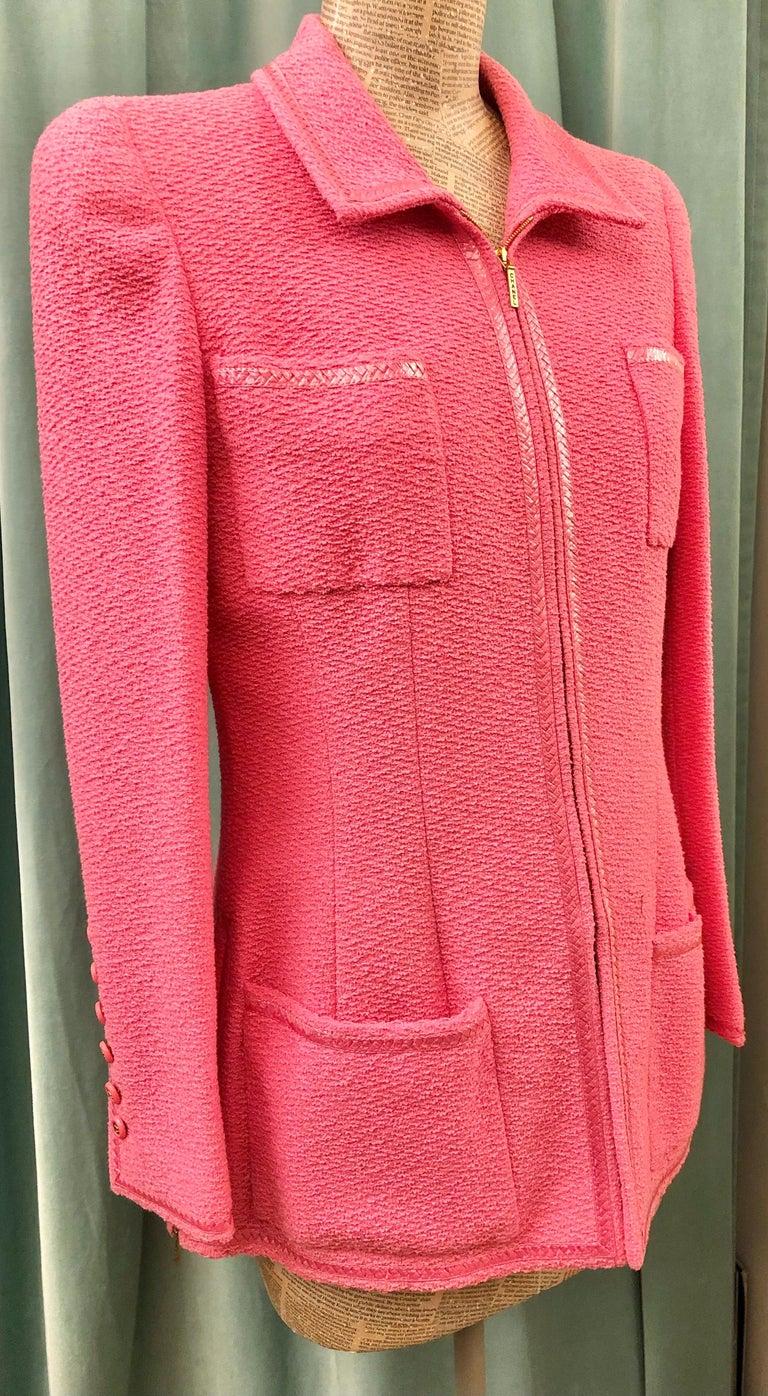 Women's or Men's Unworn Vintage Chanel Spring 1995 Pink Tweed Jacket  For Sale
