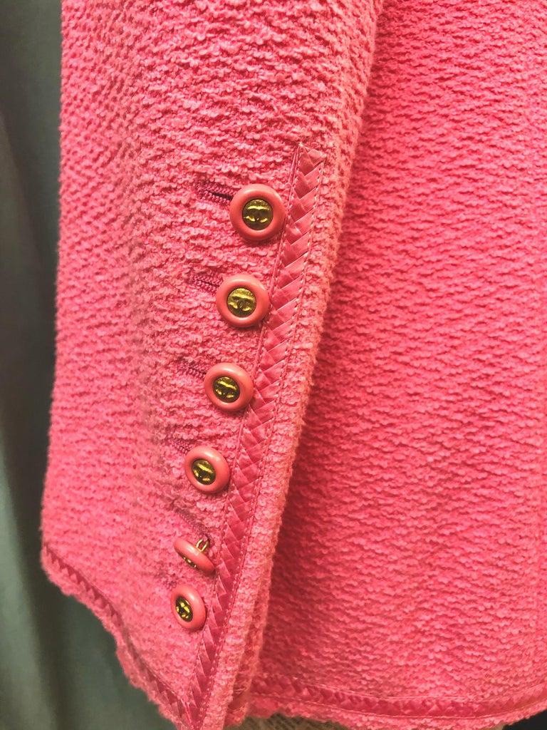 Unworn Vintage Chanel Spring 1995 Pink Tweed Jacket  For Sale 2