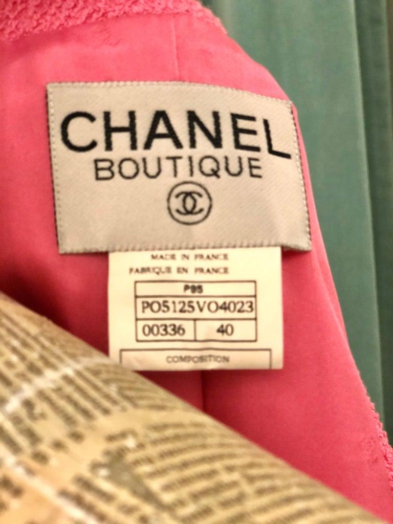 Unworn Vintage Chanel Spring 1995 Pink Tweed Jacket  For Sale 3