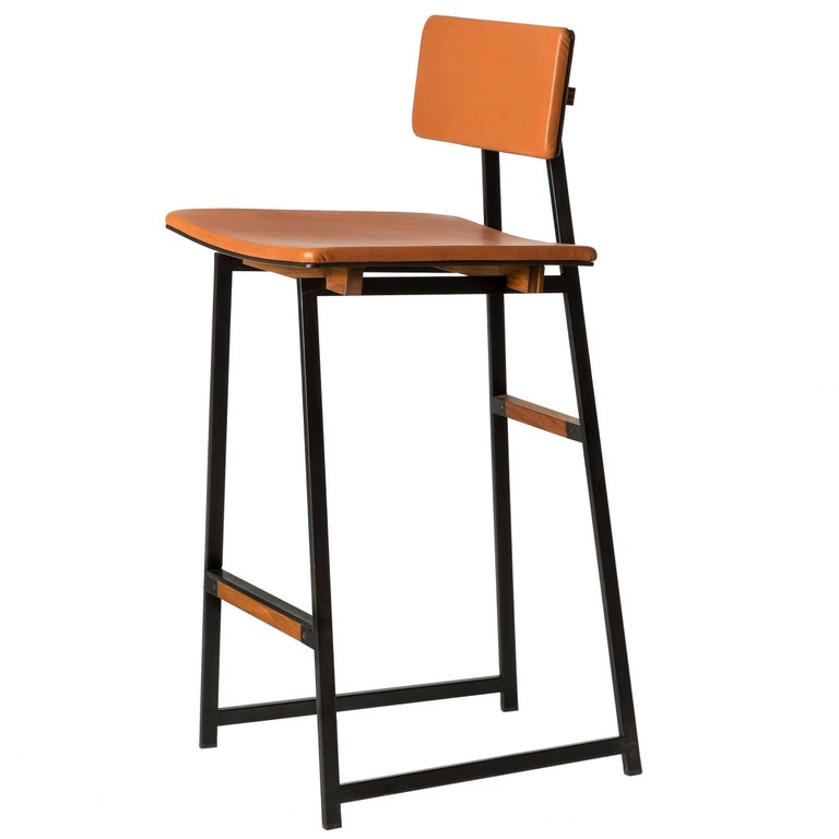 Up Tea Stool in leather, American hardwood and steel