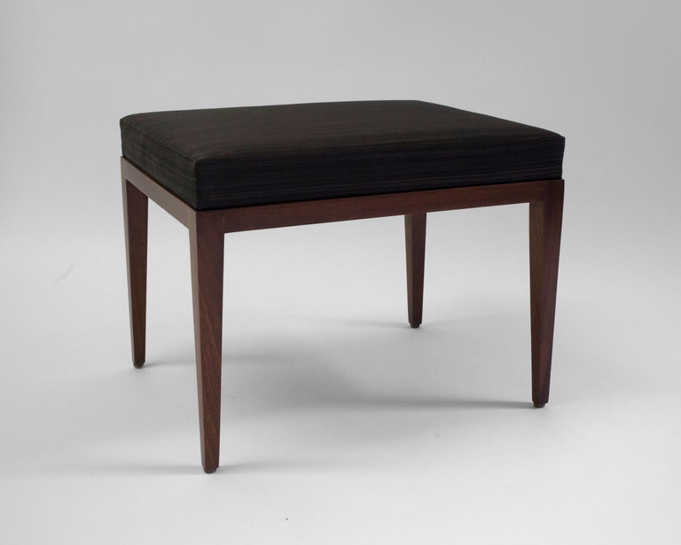 American Classical Upholstered Bench with Brown Horsehair Seat with Mahogany Frame and Tapered Legs For Sale