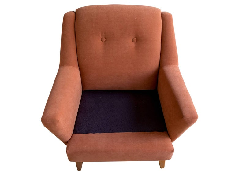 Upholstered Lounge Chair by Heywood Wakefield In Excellent Condition For Sale In Cambridge, MA