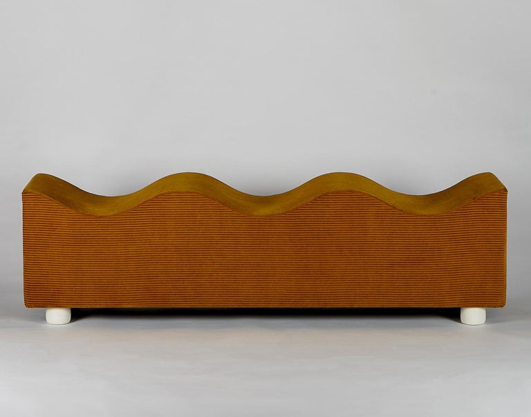 Upholstered Wave Bench in Mustard Corduroy Kvadrat Fabric, Customizable In New Condition For Sale In Brooklyn, NY