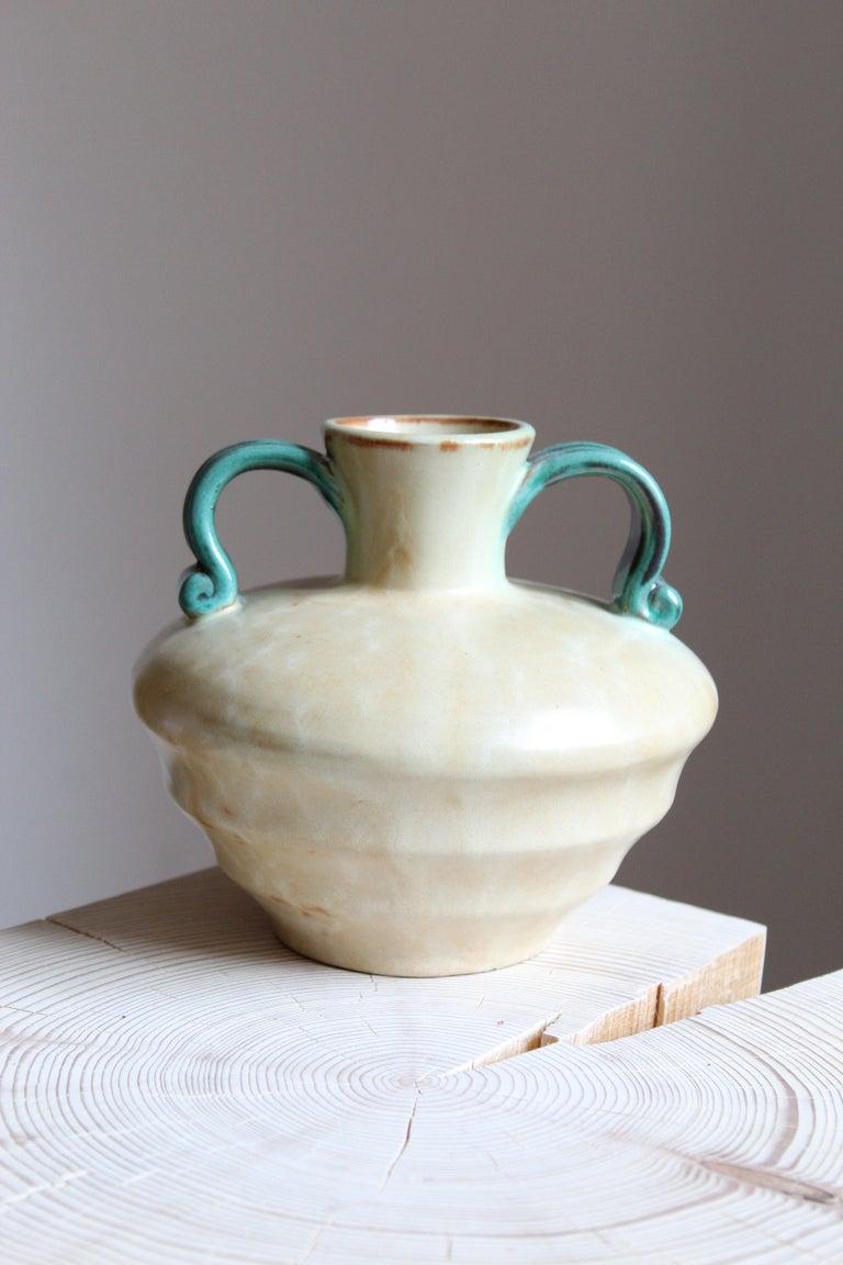 Upsala-Ekeby, Vase, Glazed Stoneware, Sweden, 1940s In Good Condition For Sale In West Palm Beach, FL