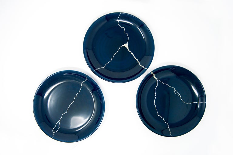 Urushi Lacquered Glass Plate 'Tsukroi Blue 3' For Sale 1