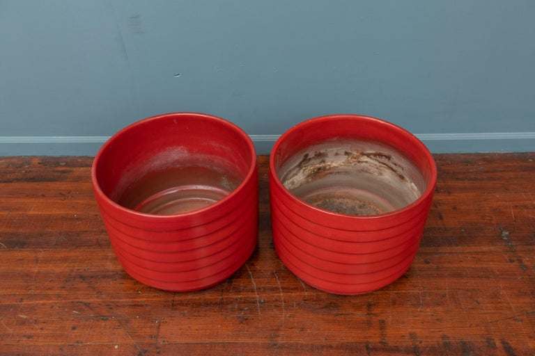 Mid-Century Modern US Pottery of Paramount Ring or Ribbed Planters For Sale