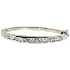 USA 2.60 Carat Diamond Bangle Bracelet F/VS 14 Karat Heavy Solid Button Locked